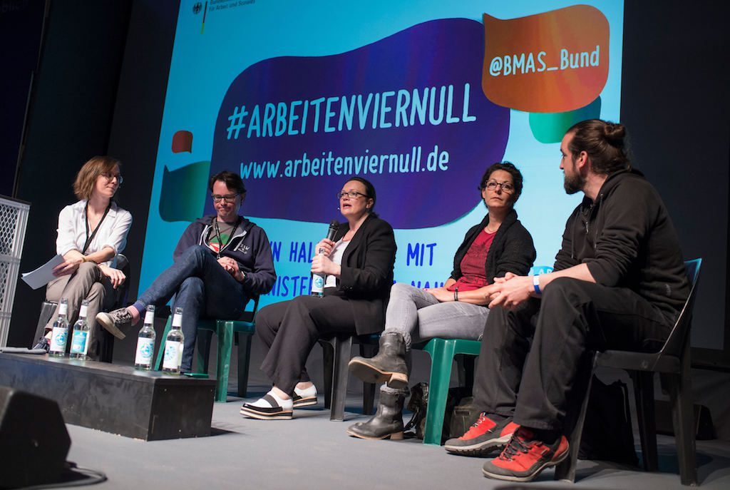 """""""Arbeiten 4.0 - Town Hall Meeting mit Bundesarbeitsministerin Andrea Nahles"""" am 03.05.2016 auf der re:publica in Berlin. Foto: re:publica/Gregor Fischer CC BY 2.0"""